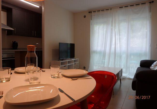 Apartament en Santa Coloma - Prat Condal***2/4 (3r 1a)