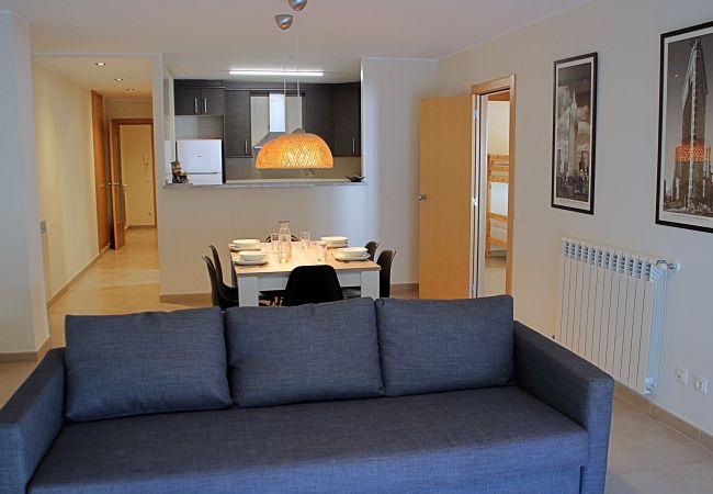 Apartament en Santa Coloma - Prat Condal *** 4/6 (4t 2a)