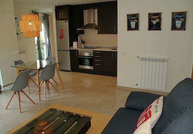 Apartment in Santa Coloma - Prat Condal***, 2/4 (4t 5a)