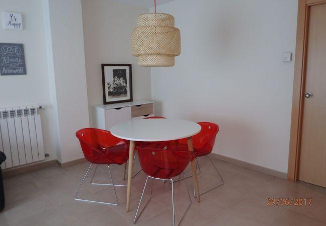 Apartment in Santa Coloma - Prat Condal *** 2/4 (4t 1a)
